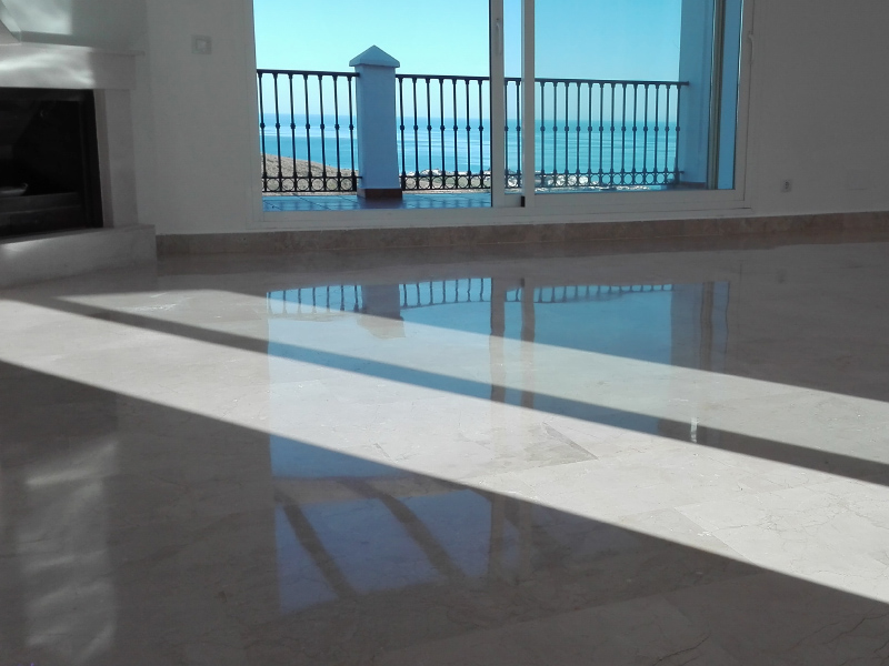 Polishing services for a marbel balcony in southern Spain